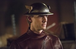 Hero of Earth-2: Teddy Sears Discusses Bringing Jay Garrick to The Flash