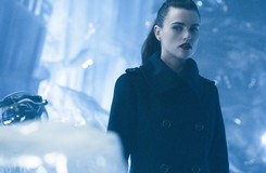 Supergirl's Lena Luthor is Not a Villain (at Least, Not Yet)
