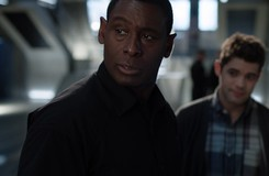 Supergirl: J'onn Gets Defensive About the DEO in New Deleted Scene