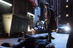 Titans: New Photos from the Debut Episode