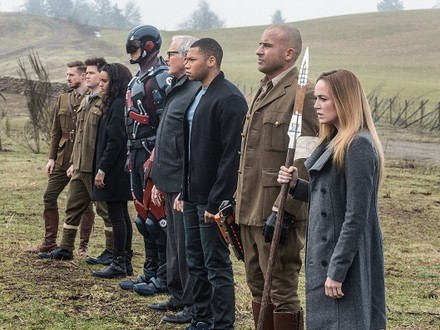 DC's Legends of Tomorrow: The Waverider Gets a New Hero