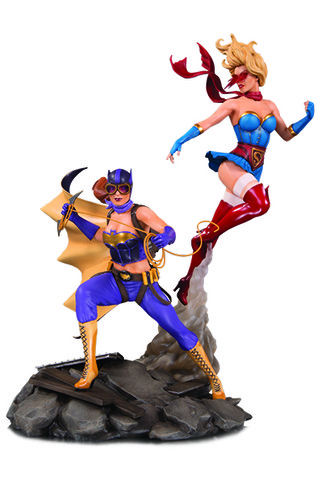 DC BOMBSHELLS: BATGIRL AND SUPERGIRL CELEBRATION STATUE