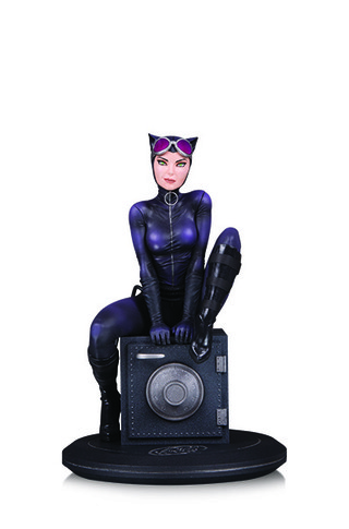 DC COVER GIRLS: CATWOMAN BY JOELLE JONES STATUE