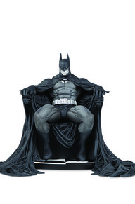 BATMAN BLACK & WHITE: BATMAN BY MARC SILVESTRI STATUE