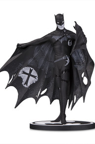 BATMAN BLACK & WHITE: BATMAN BY GERARD WAY STATUE