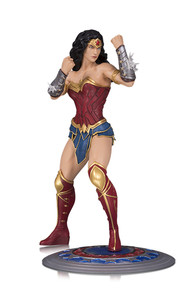 DC CORE PVC WONDER WOMAN STATUE