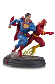 DC Battle Statue Superman Racing The Flash