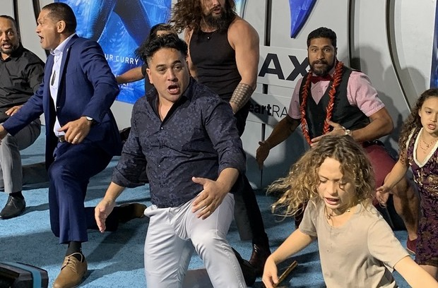 Jason Momoa Leads a Haka at the Aquaman Premiere