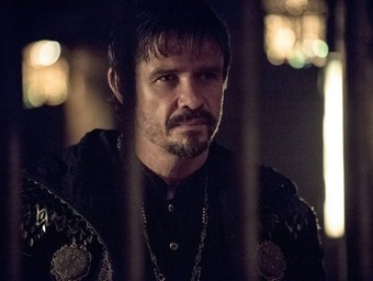 Arrow: Six Burning Questions (and Answers!) About Ra's al Ghul and the Atom
