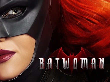 Get an Early Look at Watchmen and Batwoman at New York Comic Con
